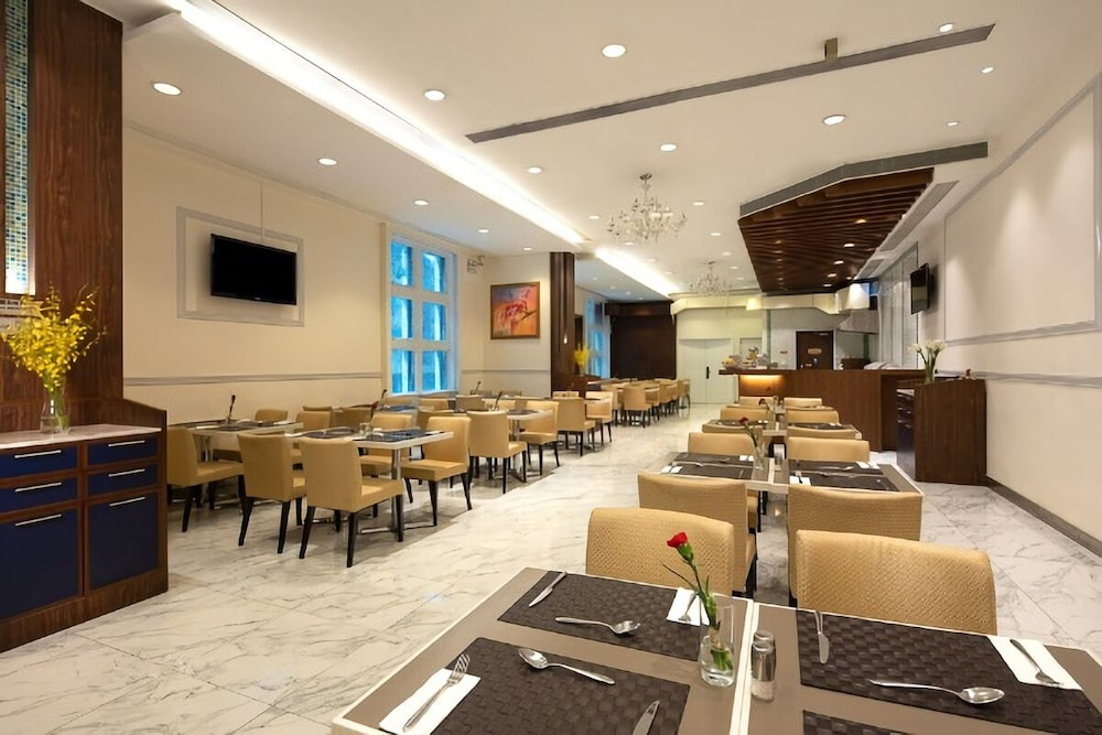 Restaurant, Ramada by Wyndham Hong Kong Grand View