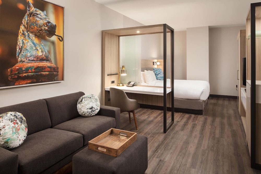 Room, SpringHill Suites by Marriott New Orleans Downtown/Canal Street