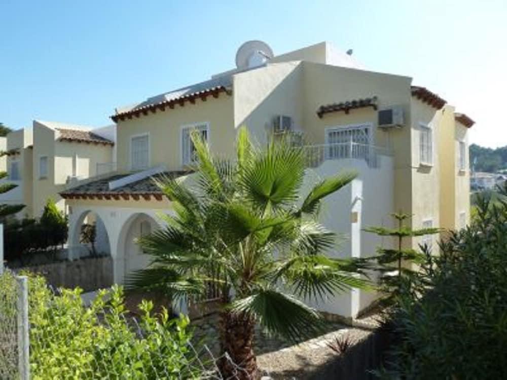 Tout Inclus Villa A Villamartin vu Golf Jardin,ménage,linge,piscine ...