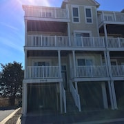 Luxury Townhome in North Bethany With bay View. Steps From the bay and Beach!