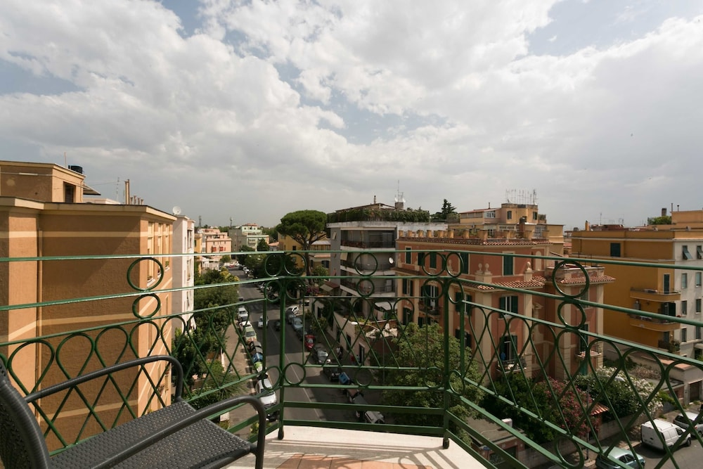 View from Property, La Duchessa a Roma