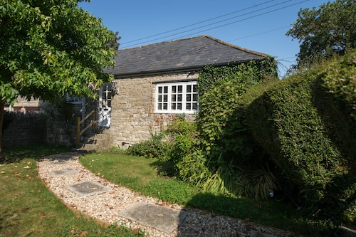 Old Stone Gardeners Cottage in Somerset With Peaceful Secluded Garden