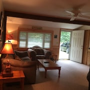 Country Cottage IN THE Cozy Woods OF Nh,, Walk to Beautiful Lake Winni