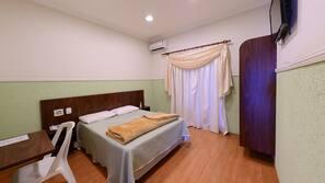 Frigobar, escrivaninha, berços grátis, camas extras/dobráveis