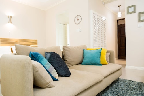 New Kingston Central Guest Apartment