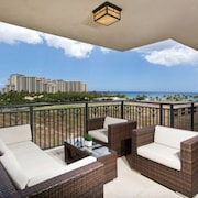 Luxury 3 Bedroom W/ Ocean View!