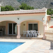 Villa W/stunning Mountain Views, Just 8 Min From Beach, Private Pool
