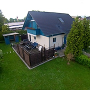 Holiday for Relaxing, Large Garden, Balcony, Terrace, Sauna and Home Theater