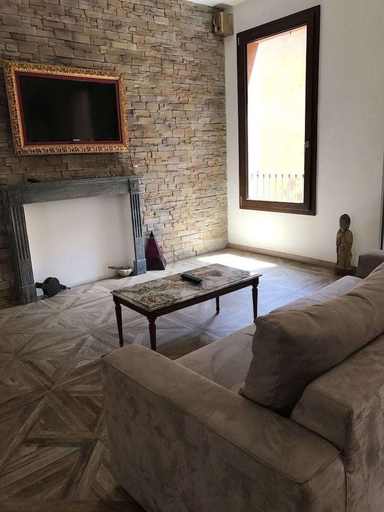 051B&B Room & Breakfast (Bologna, Italia)   Expedia.it