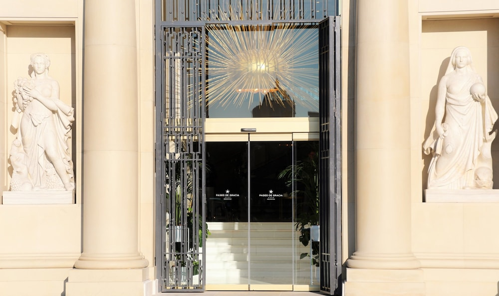 Property Entrance, Iberostar Selection Paseo de Gracia