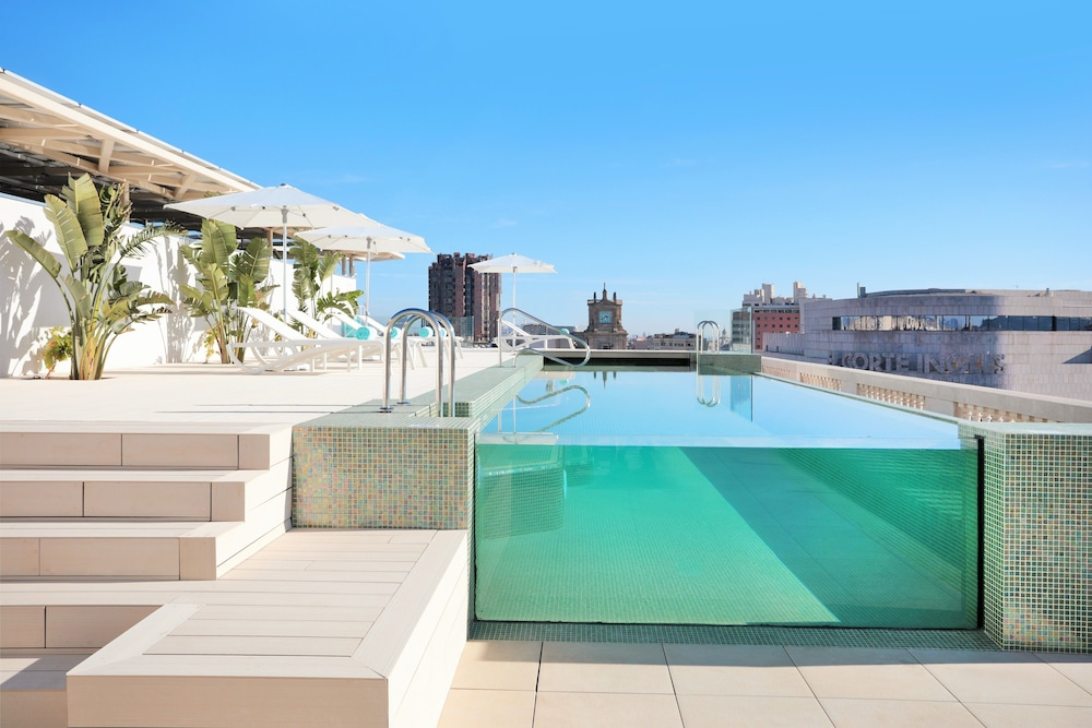 Infinity Pool, Iberostar Selection Paseo de Gracia