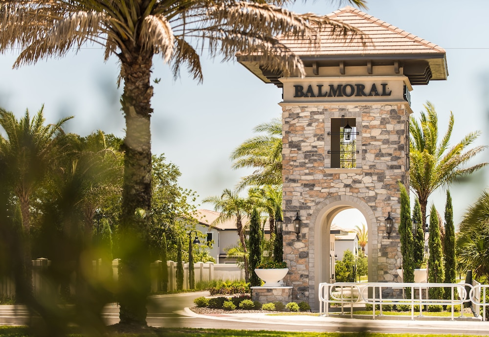 Front of Property, Balmoral Resort Florida