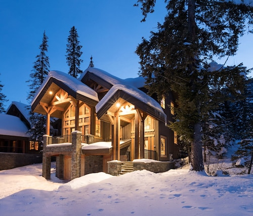 From a Family Reunion or Wedding to the Most Epic ski Trip This Home has it all