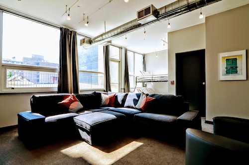 Convention Center Penthouse, Great for Large Group, Sleeps 15, Dual Decks