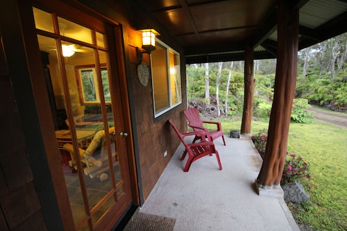 Secluded, Quiet Escape Close to National Park on 3 Acres