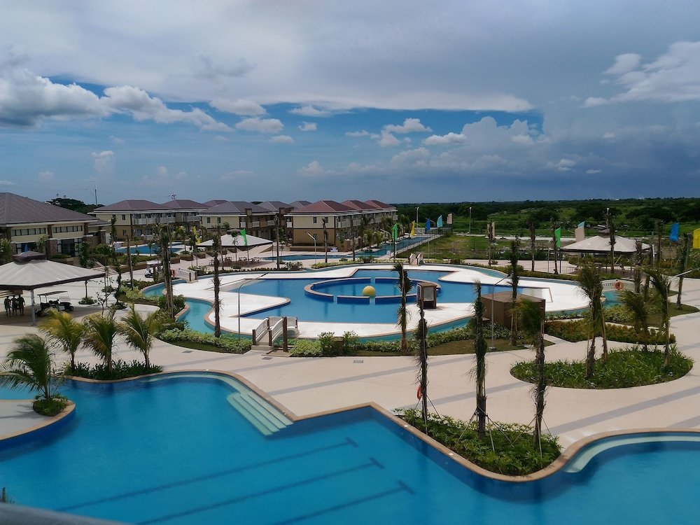 Aquamira resort residence tanza phl Private swimming pool for rent in cavite