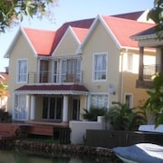 Waterside Living Marina Martinique 1027