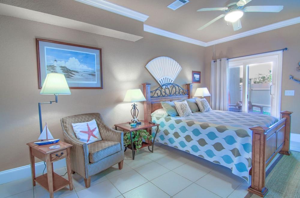 Stunning Three Story PCB House / Pool / Pet Friendly / Gulf of