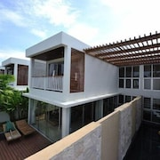 Chantra Private Pool Villa by AYG