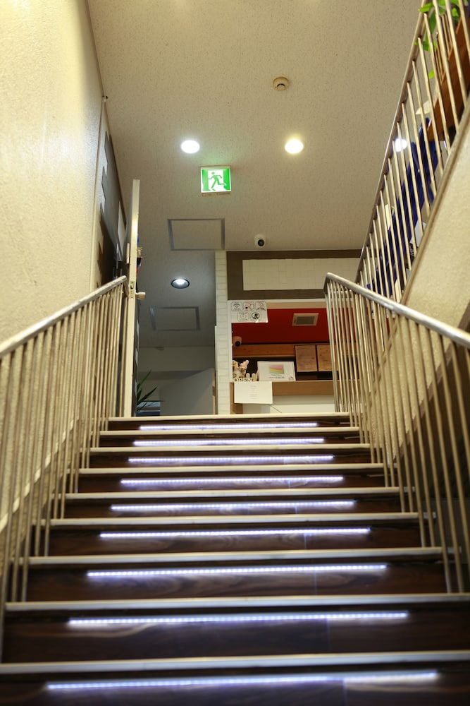 Staircase, G'inns guest house - Hostel