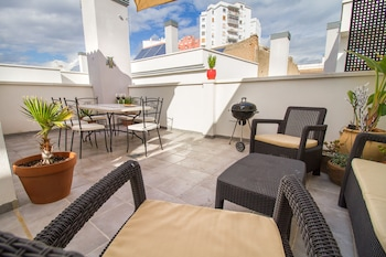 Grand Apartment with terrace & Parking by La Recepcion