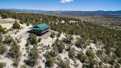 Great Place to stay Ridgetop Hideaway near Panguitch
