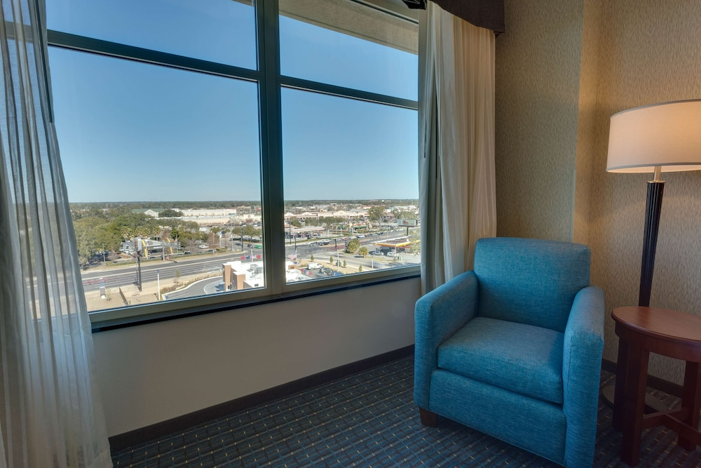 Room, Drury Inn & Suites Gainesville