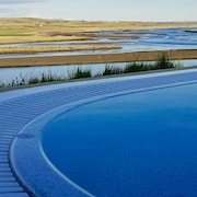 Luxury, Modern, Hottub With Fantastic River / Mountain View on the Golden Circle