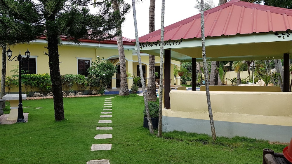 Property Grounds, House With Nice Garden And Big Private Pool For Rent