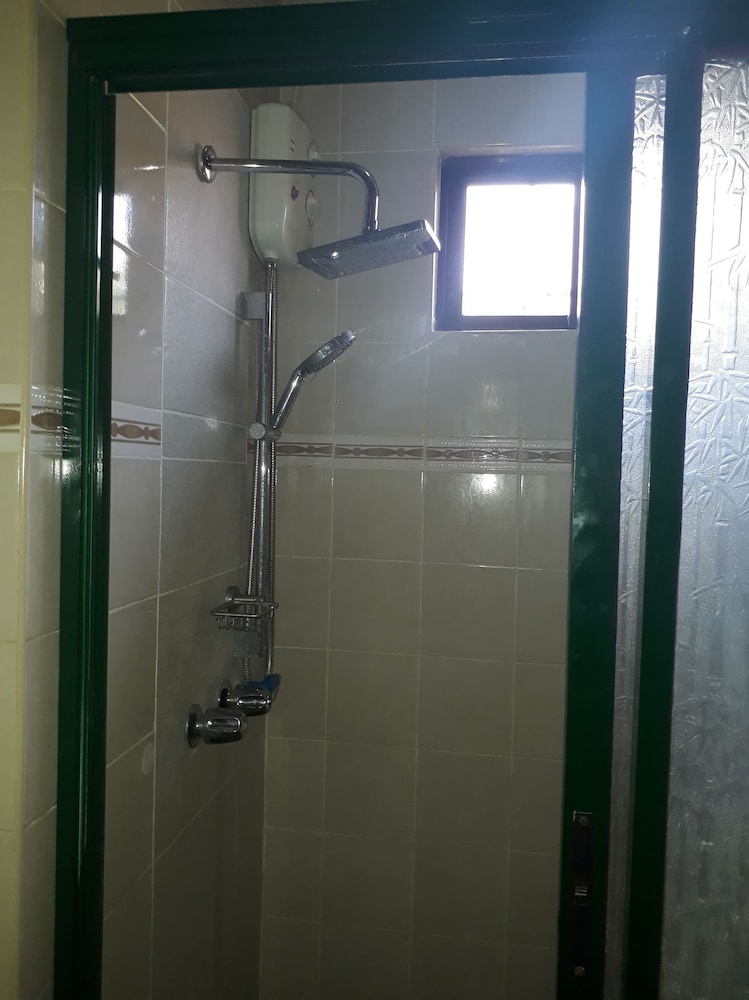 Bathroom, House With Nice Garden And Big Private Pool For Rent