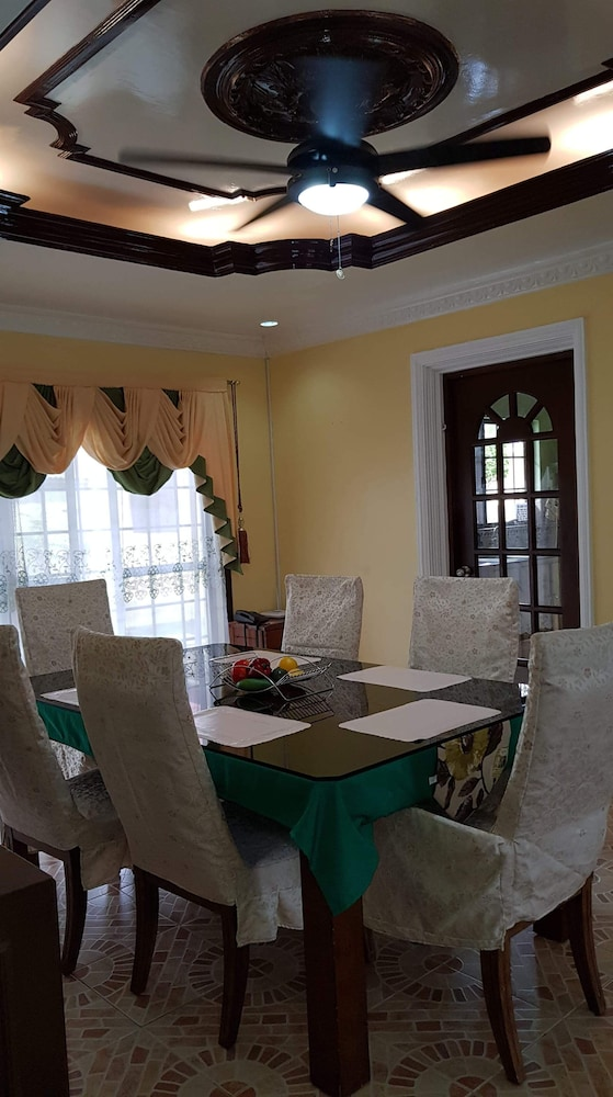 Private Kitchen, House With Nice Garden And Big Private Pool For Rent
