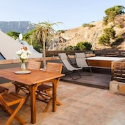 Stylish Villa, Rooftop Terrace & View and Parking