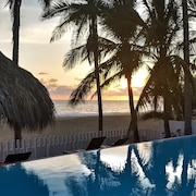 Awesome Beach-front Villa , Staff, Infinity Pool, Sleeps 25, A/c, Private Beach