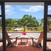 Perfect Beachfront Vacation - Complimentary Breakfast @ Your Private Terrace