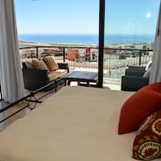 Espectacular Ocean View Corner Unit