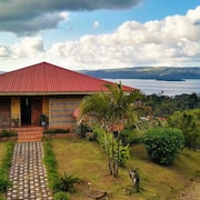 Villa Esperanza, Breathtaking Views of Lake & Volcano Arenal...!