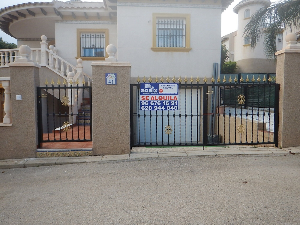 Exterior, LA Zenia Swimingpool Home 1