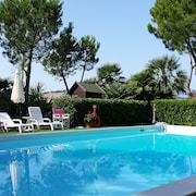 Beautiful Detached Villa With Garden and Swimming Pool