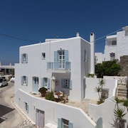 Classic Cycladic Maisonette #1 in Naoussa of Paros