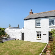 A Gem of a Cornish Cottage in St Agnes - The Heart of Poldark Country