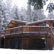 Luxury Cedar Cabin on 5 Acres in Forest by Lake- 2 Cabins in 1