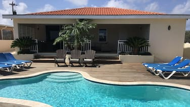 Ocean view , free wifi , sleeps 6 , private pool