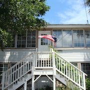 Folly Beach - 2 Bed 1 Bath* 1 Block To Lifeguarded Beach & Center Street*