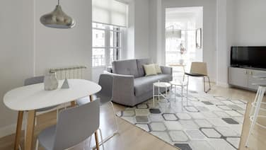 Zubieta Suite Apartment by FeelFree Rentals