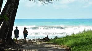 Beach nearby, white sand, beach towels, beach massages
