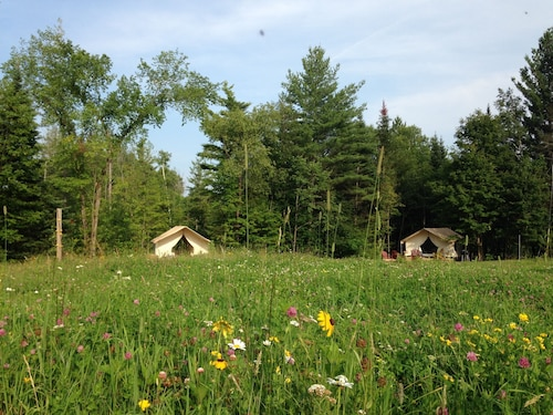 Glamp Bernice ON Beautiful Adirondack Hobby Farm