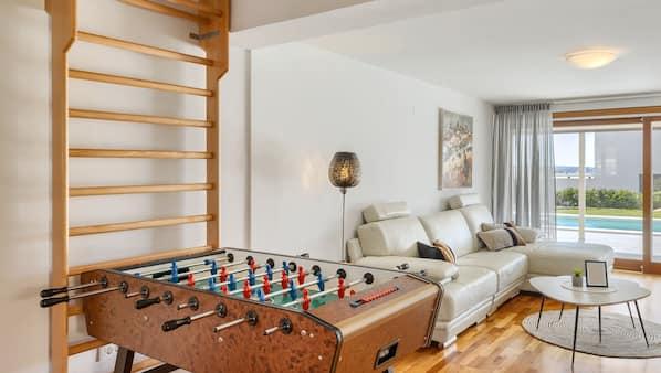 2 Schlafzimmer, Zimmersafe, Bügeleisen/Bügelbrett, kostenloses WLAN