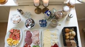 Køleskab, mikrobølgeovn, ovn, komfur