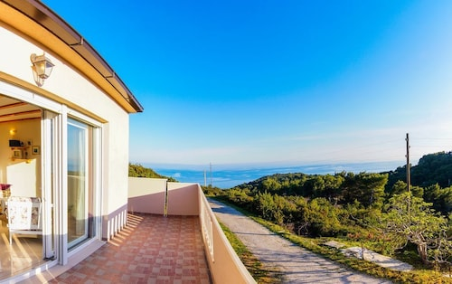 Beautiful Villa Chosen Best Bay in 2016, Amazing Sea Views