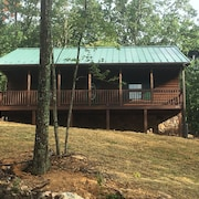 Enjoy A Quiet Getaway AT Mountain View Cabin Rentals